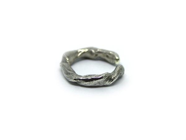 anello radice icudal argento